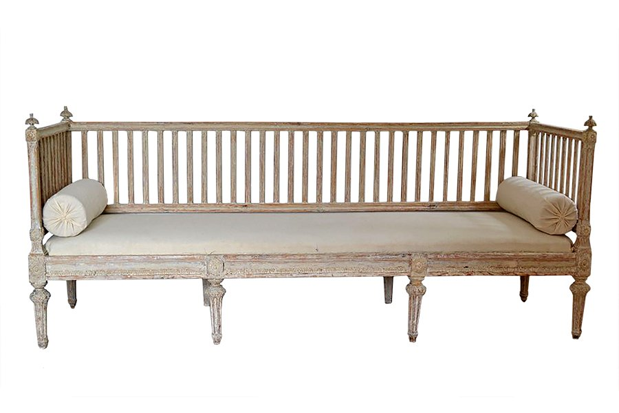 Large Gustavian Sofa 4 3 800 00