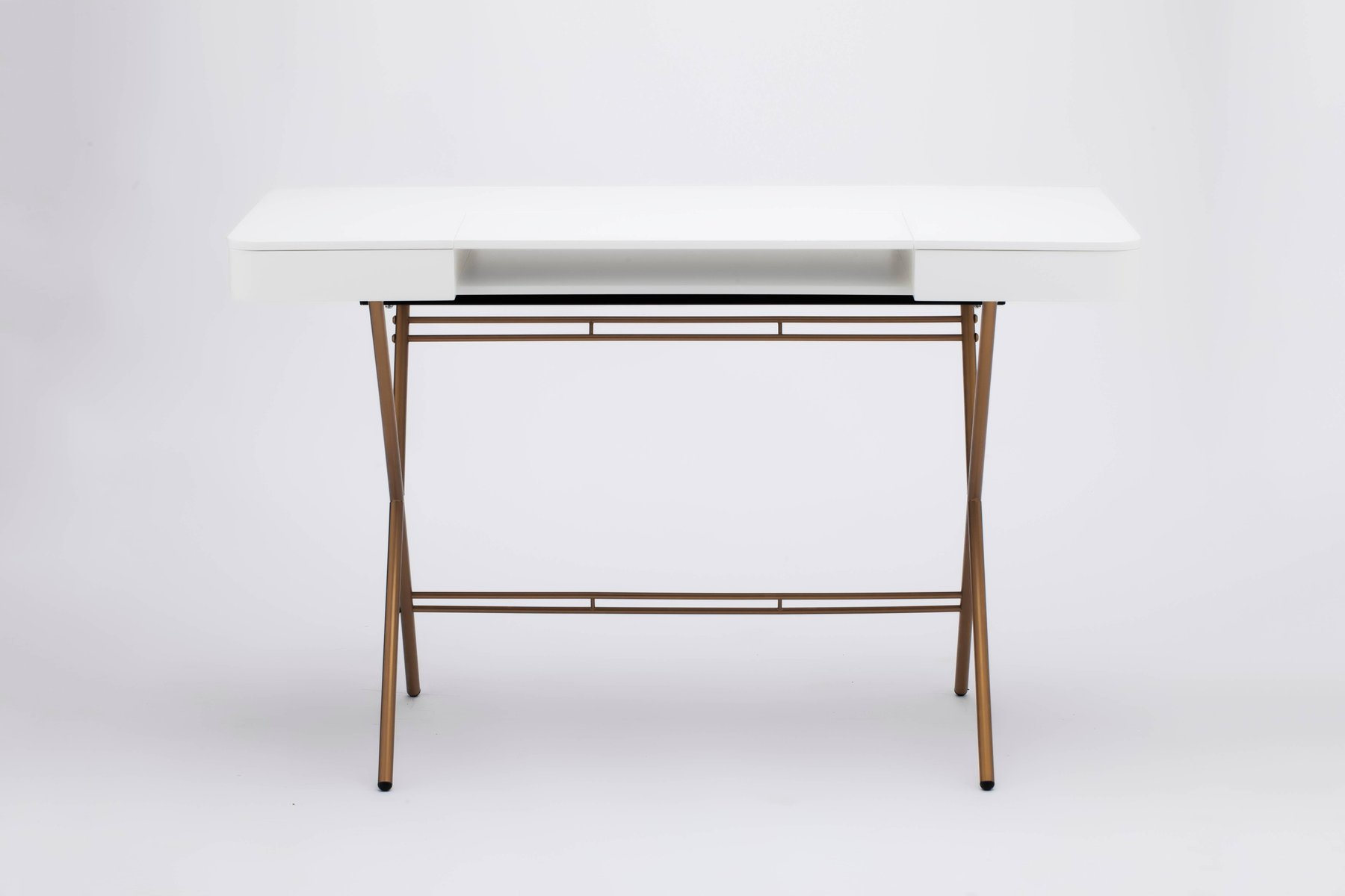 Bureau cosimo avec plateau laqué mat blanc et cadre doré par marco