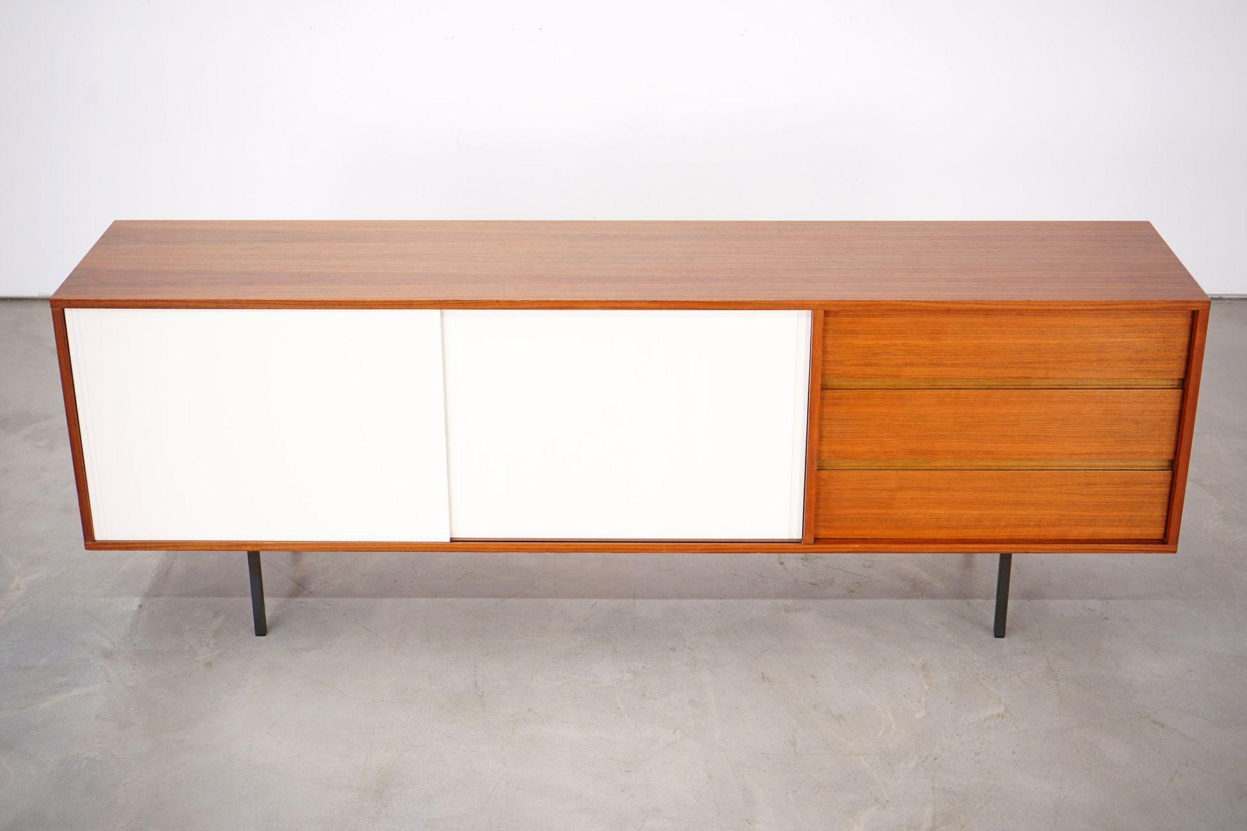 sideboard aus nussholz von helmut magg f r dewe 1960er bei pamono kaufen. Black Bedroom Furniture Sets. Home Design Ideas