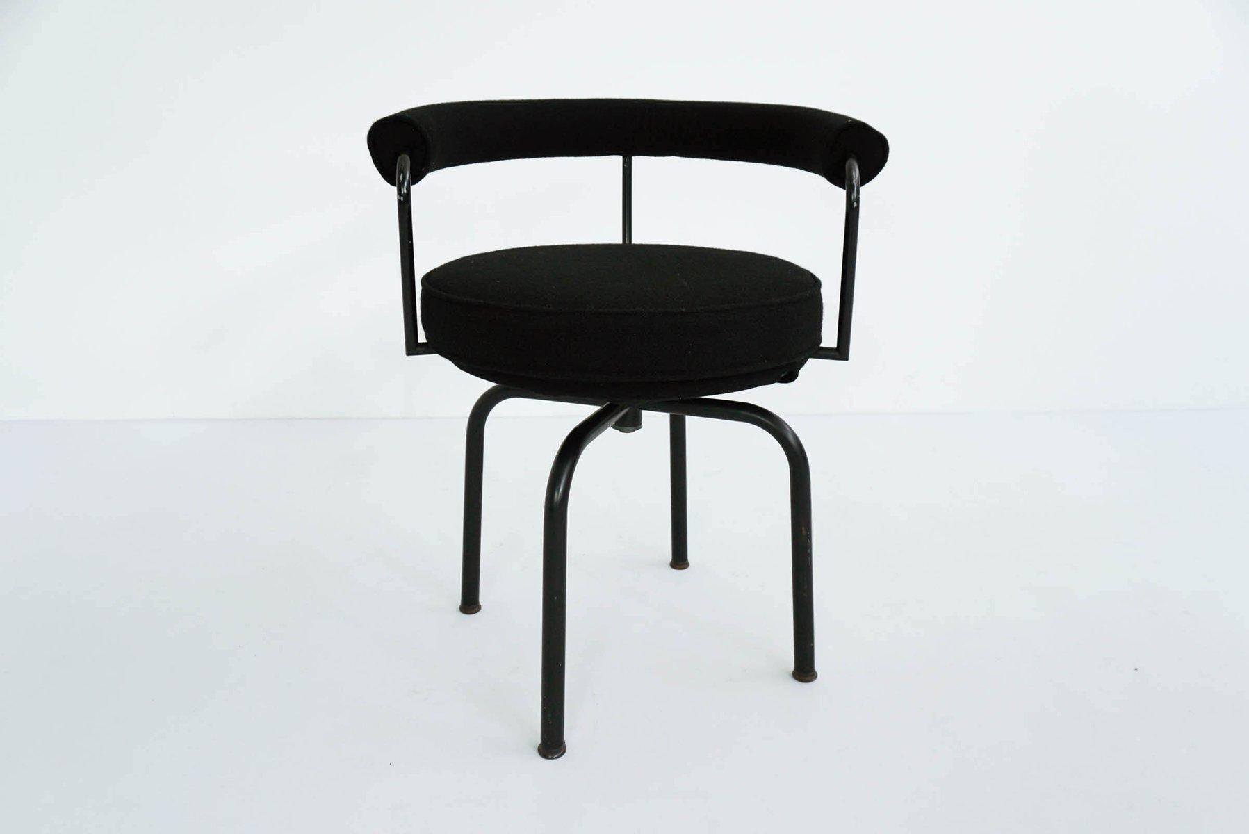 Sedia girevole LC7 vintage di Le Corbusier, Perriand & Jeanneret per ...
