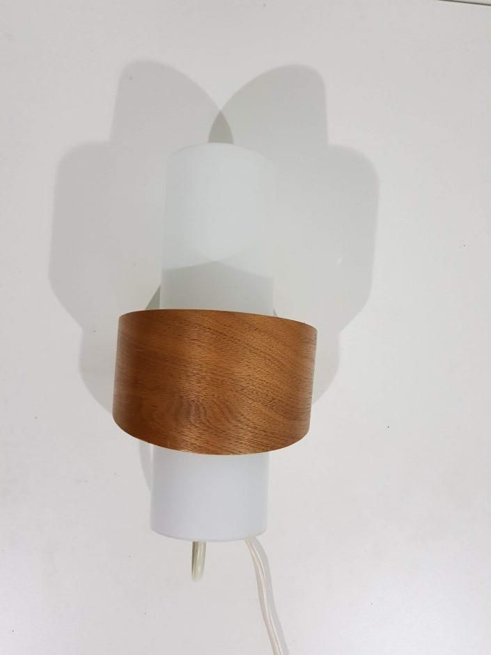 Wandlampe aus Glas & Holz, 1960er