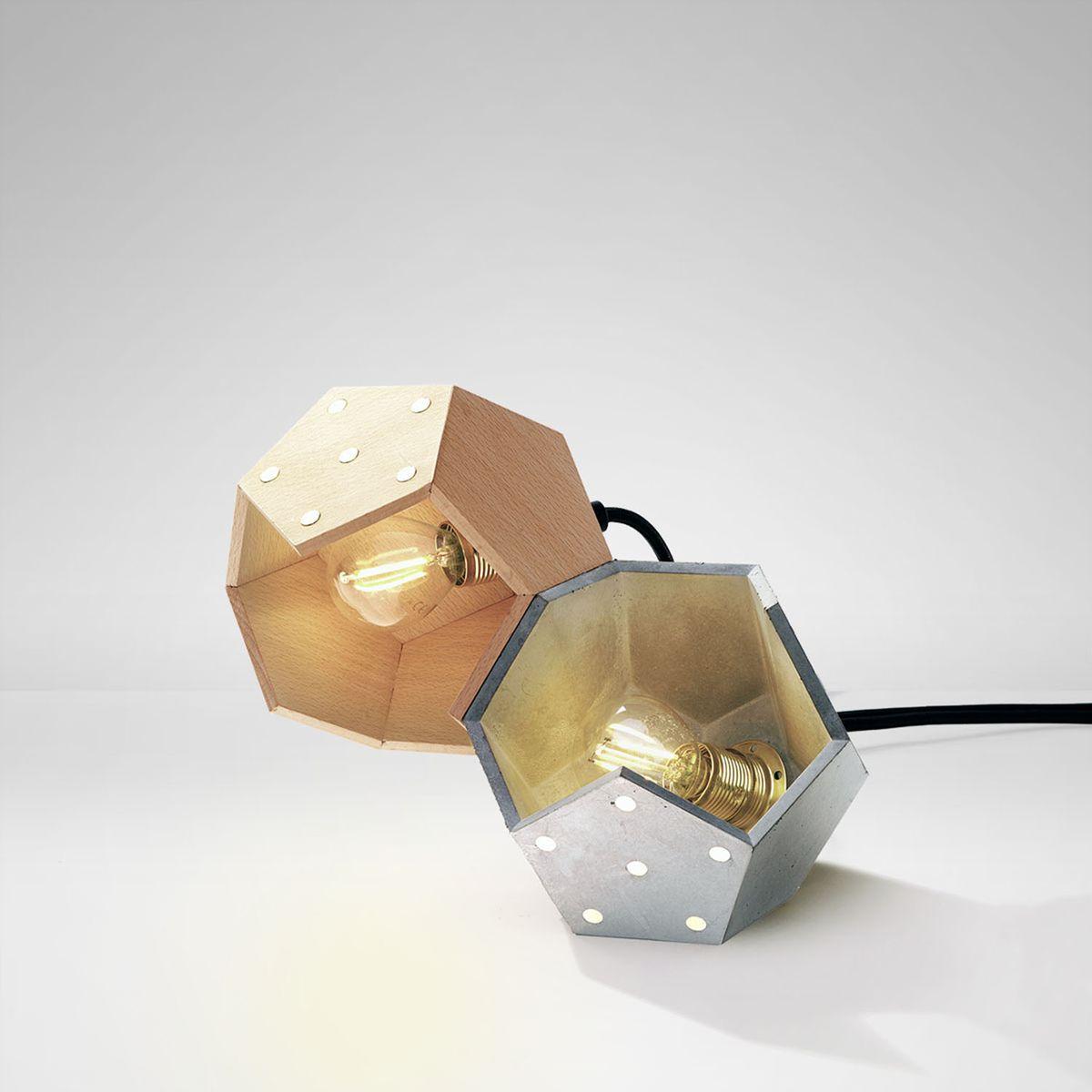 Basic TWELVE Duo Tischlampe aus Beton & Holz von Plato Design