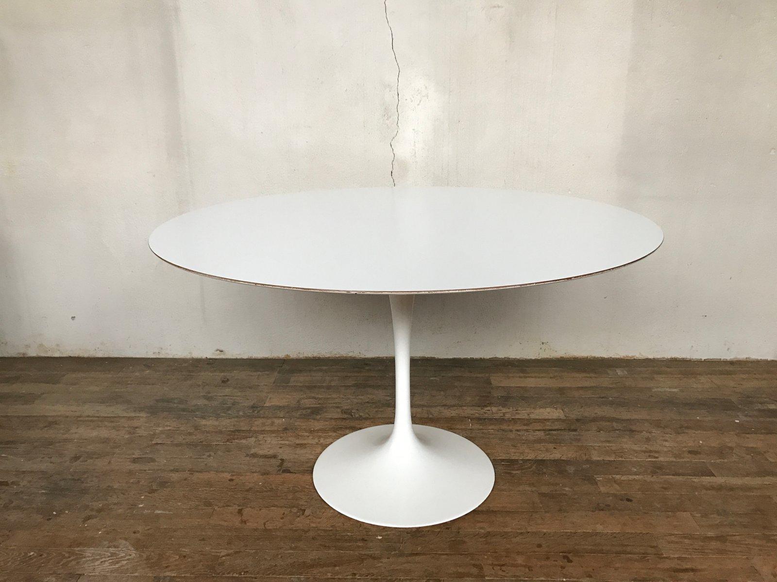 Tisch aus weißem Laminat von Eero Saarinen für Knoll International, 19...