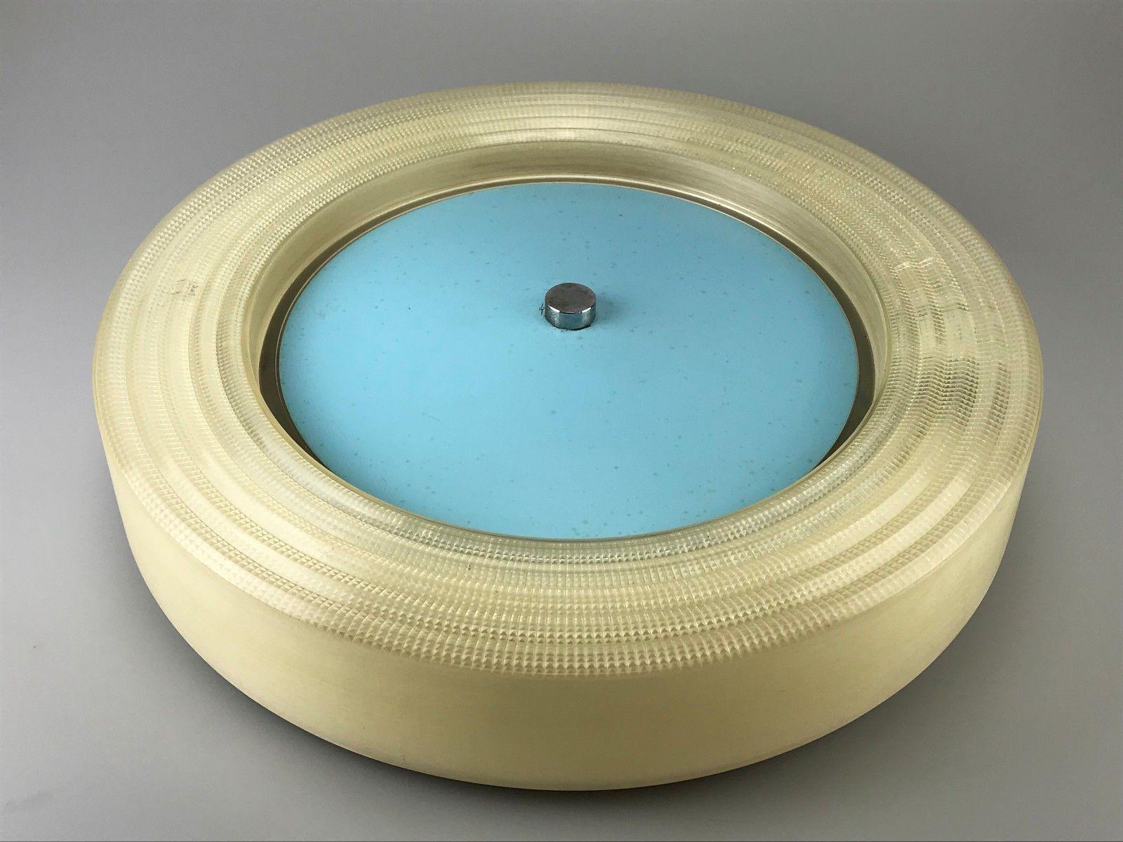 Deutsche Deckenlampe aus Kunststoff, 1960er