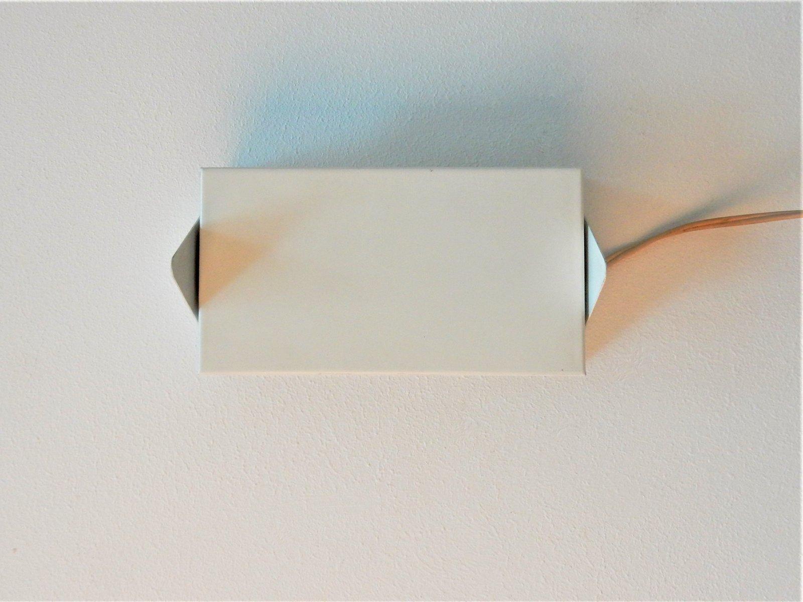 Weiße Modell 7013 Wandlampe von Jan Hoogervorst für Anvia, 1960er