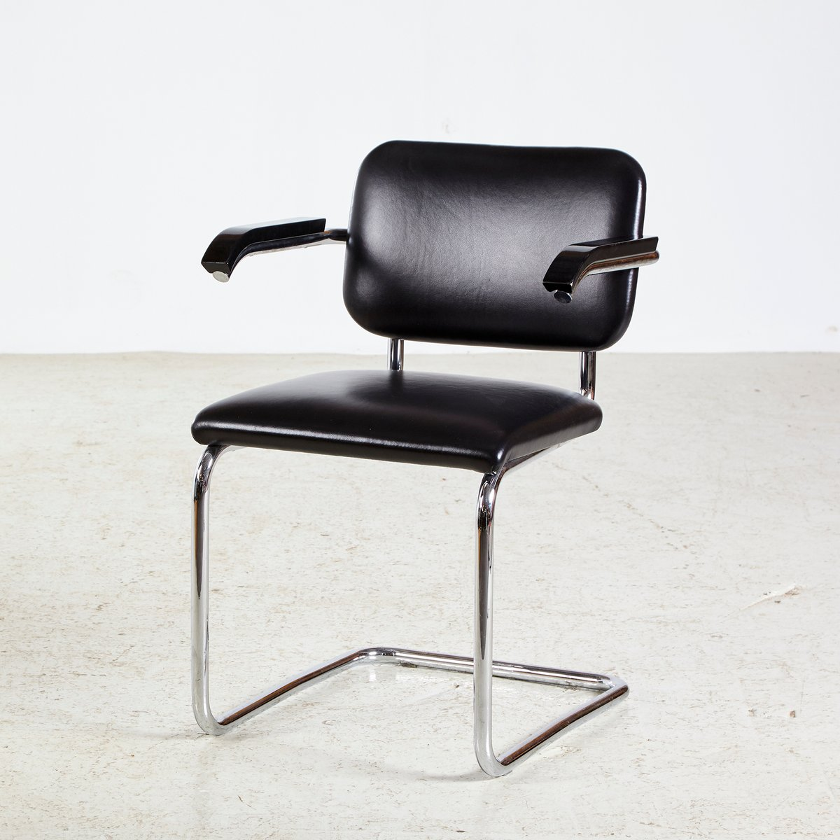 Cesca Chrome Framed Leather Chair By Marcel Breuer For Knoll Inc 1928
