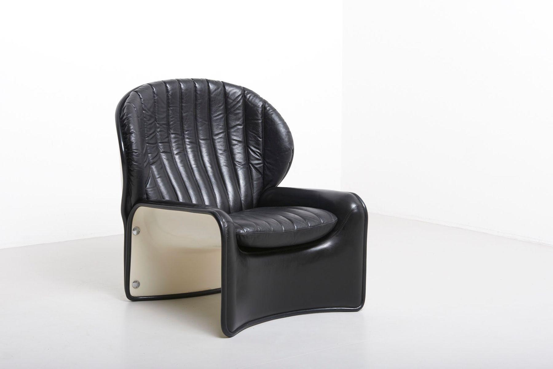 Lotus Chair aus weiß lackiertem Polyester & schwarzem Leder von Andre ...