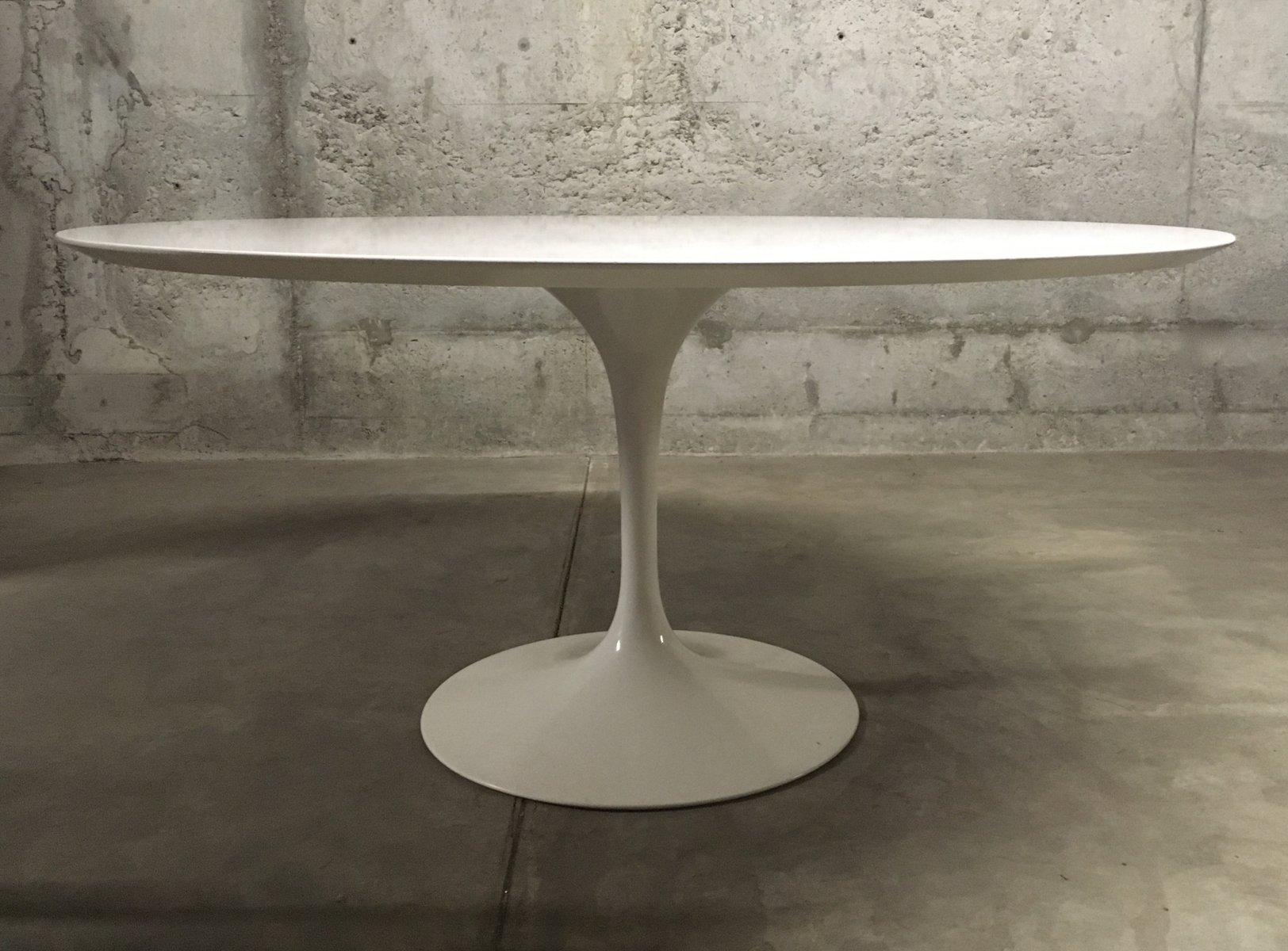 wei er tulip tisch von eero saarinen f r knoll international 1980er cafe konrad vib. Black Bedroom Furniture Sets. Home Design Ideas
