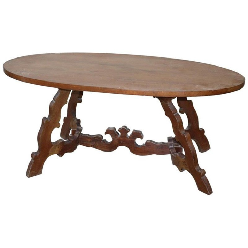 Antiker ovaler Tisch aus Nussholz