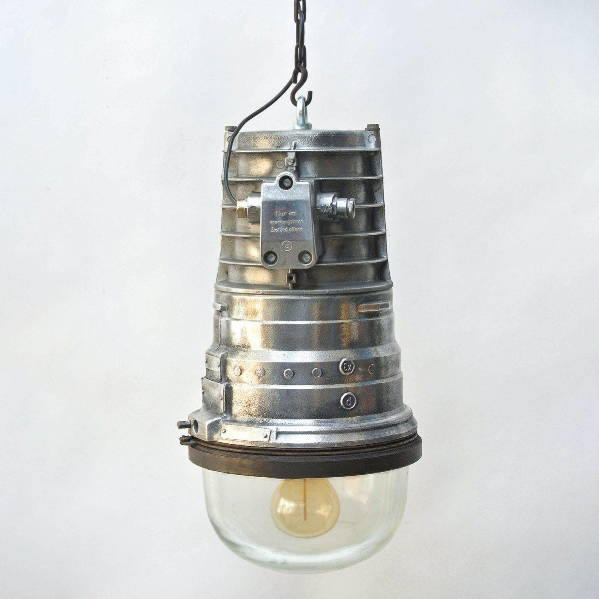 Industrielle feuerfeste Vintage Chemie-Lampe