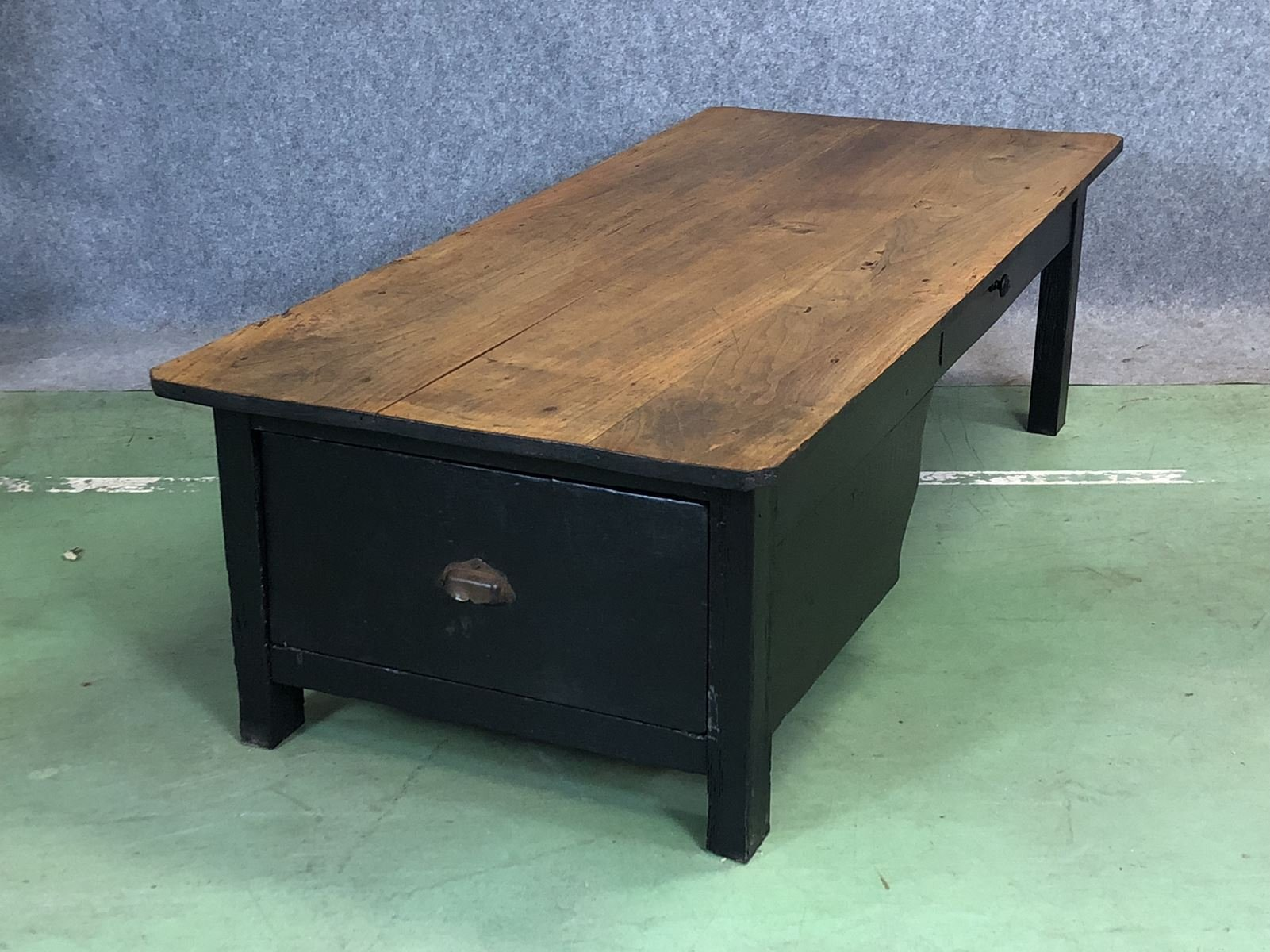 Merveilleux Vintage Rustic Chestnut Coffee Table