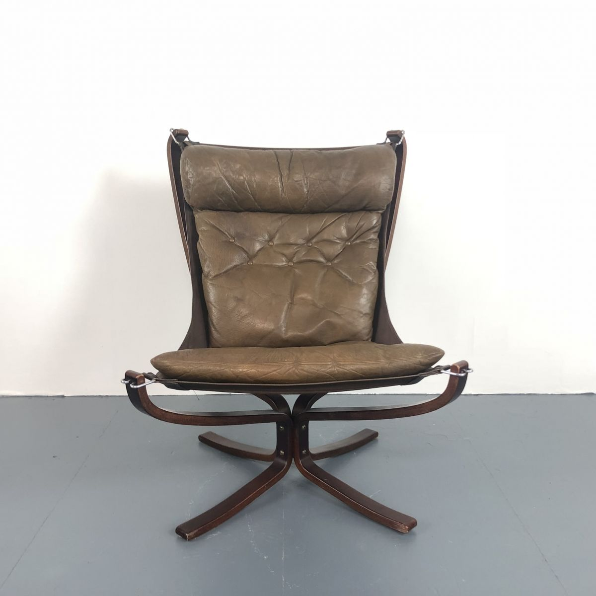 Brauner Vintage Falcon Chair mit hoher Rücklehne von Sigurd Resell