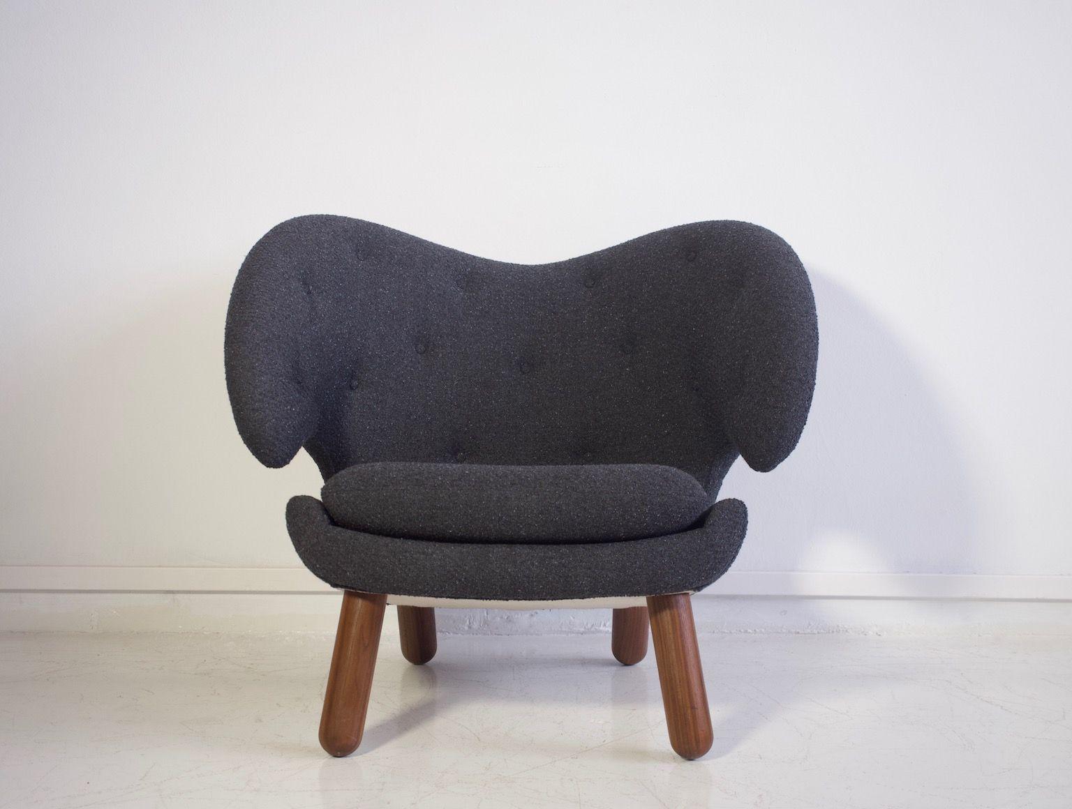 Pelikan Vintage Sessel mit runden Beinen aus Nussholz von Finn Juhl fü...
