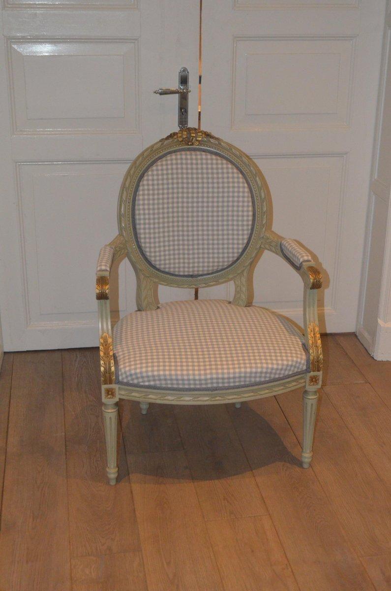Antiker schwedischer Armlehnstuhl im gustavianischen Stil