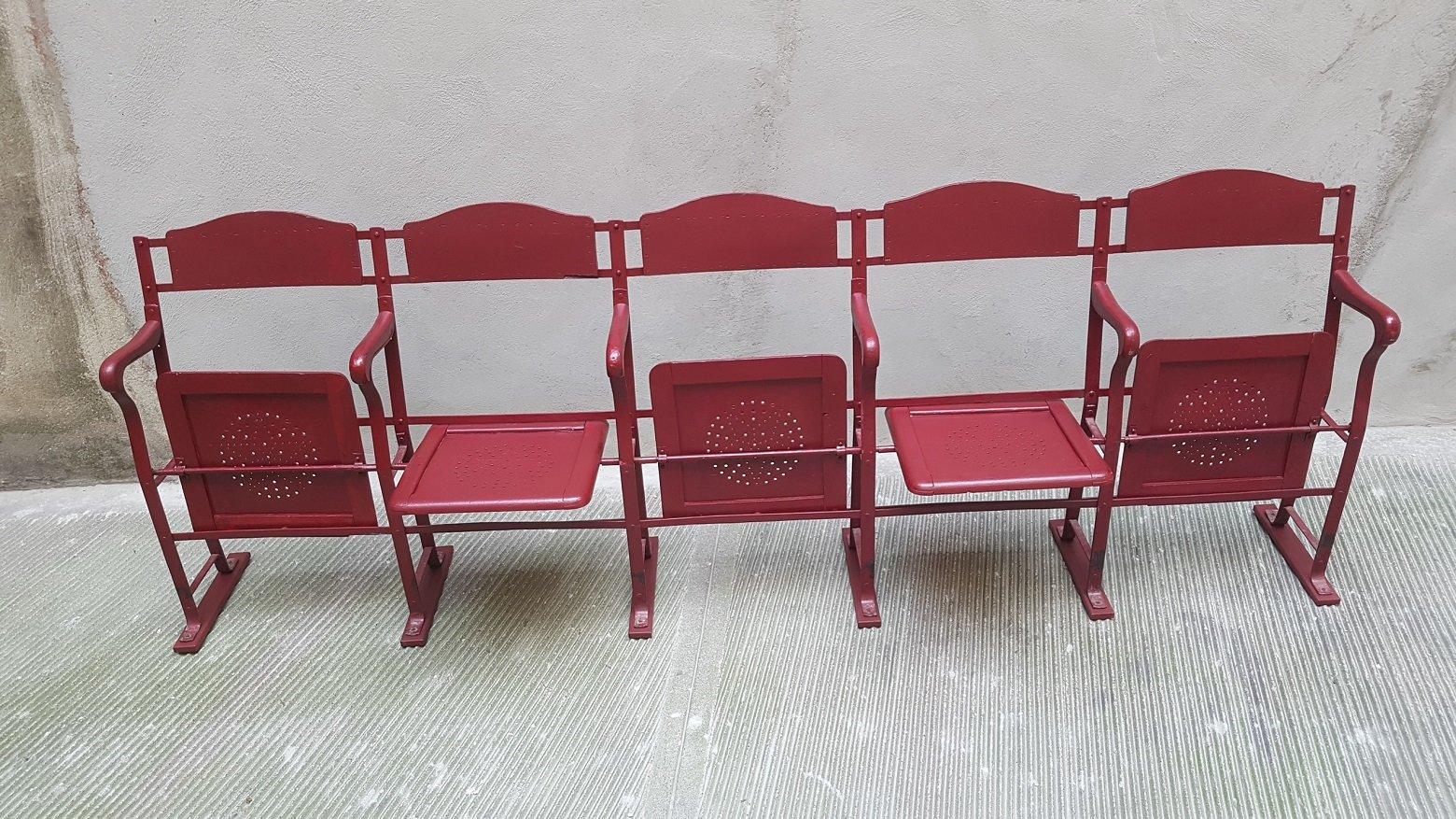 Fila di sedie da cinema in legno, anni '30 in vendita su ...