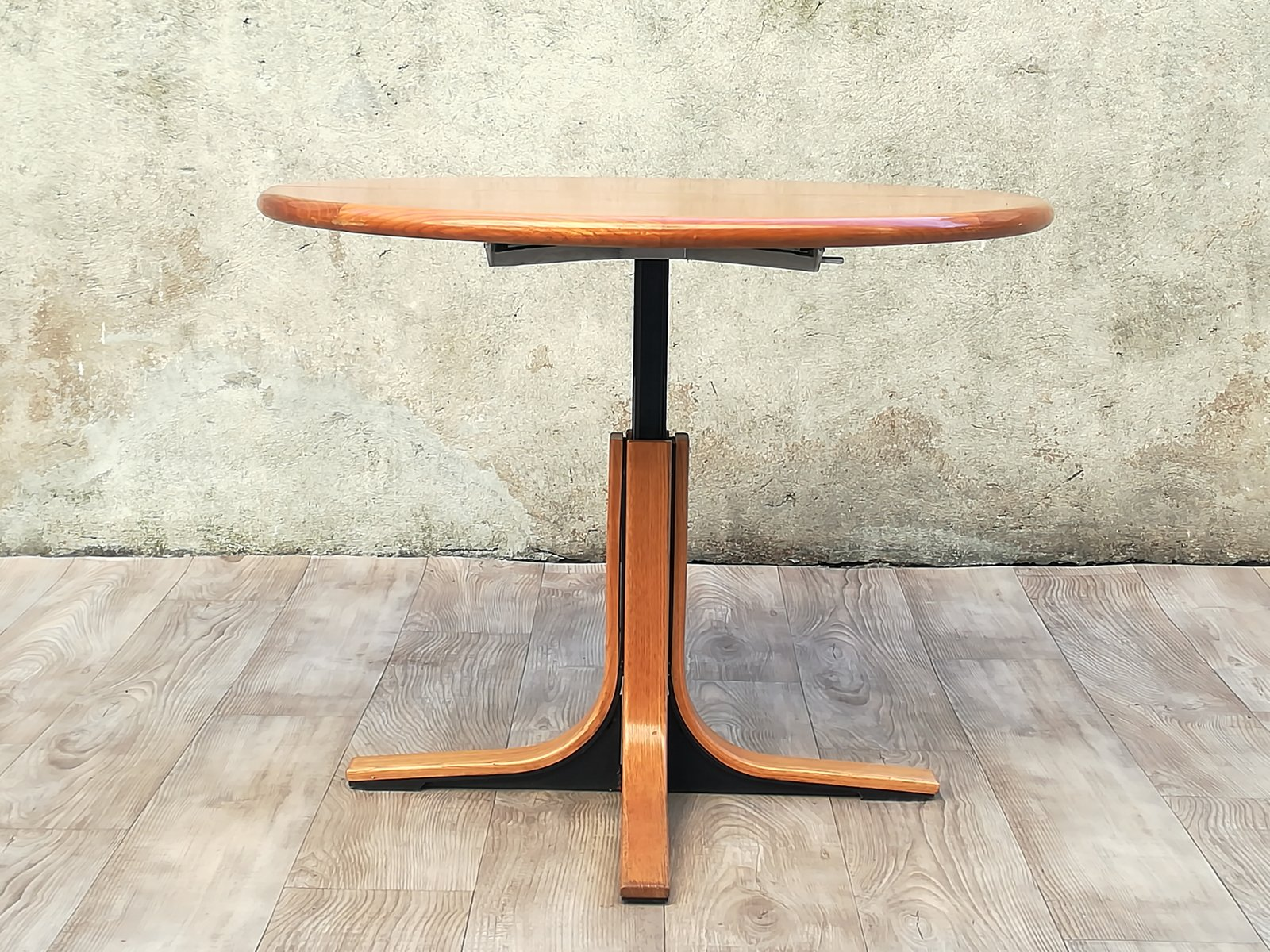Round Wood Metal Dining Table 1960s Bei Pamono Kaufen