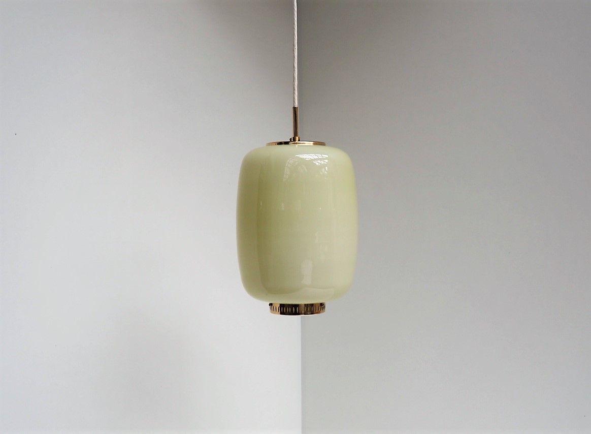Dänische Kina Hängelampe aus gelbem Opalglas von Bent Karlby für Lyfa,...