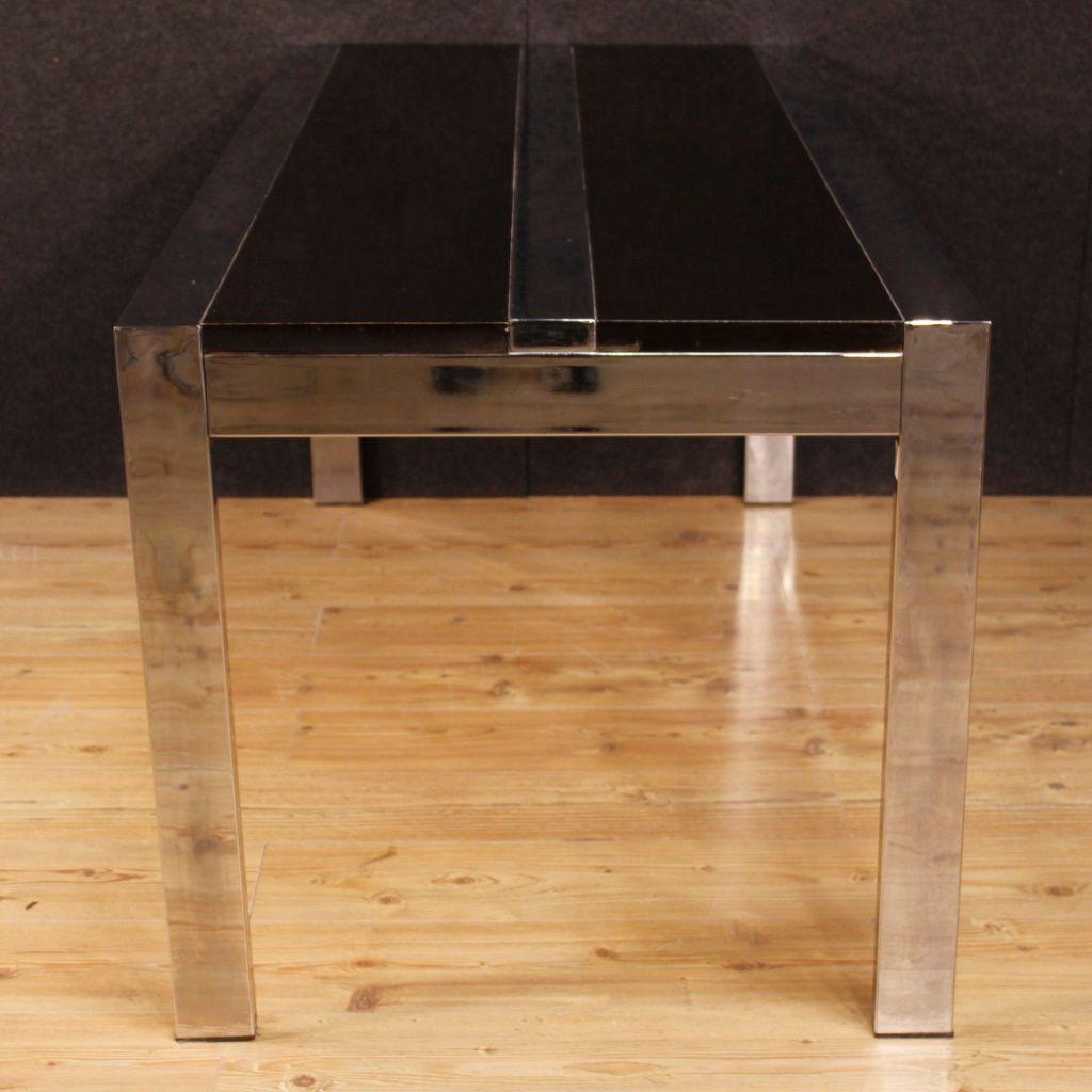 italienischer tisch aus verchromtem metall und holz. Black Bedroom Furniture Sets. Home Design Ideas
