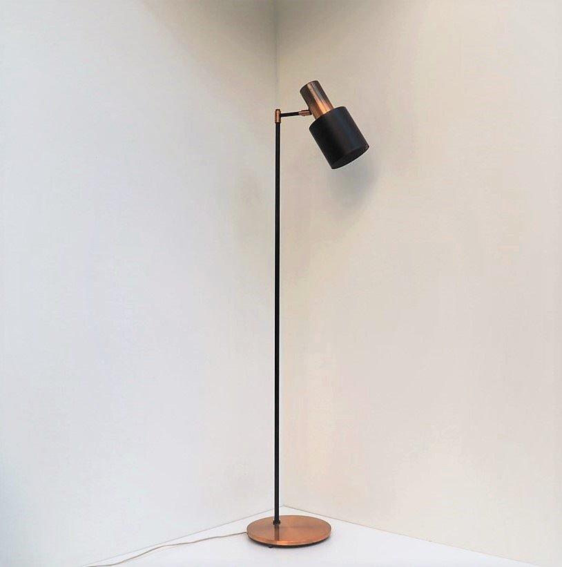 stehlampe mit schirm xl stehlampe diva chrom schwarzem organza schirm cm hhe stehlampe mit. Black Bedroom Furniture Sets. Home Design Ideas
