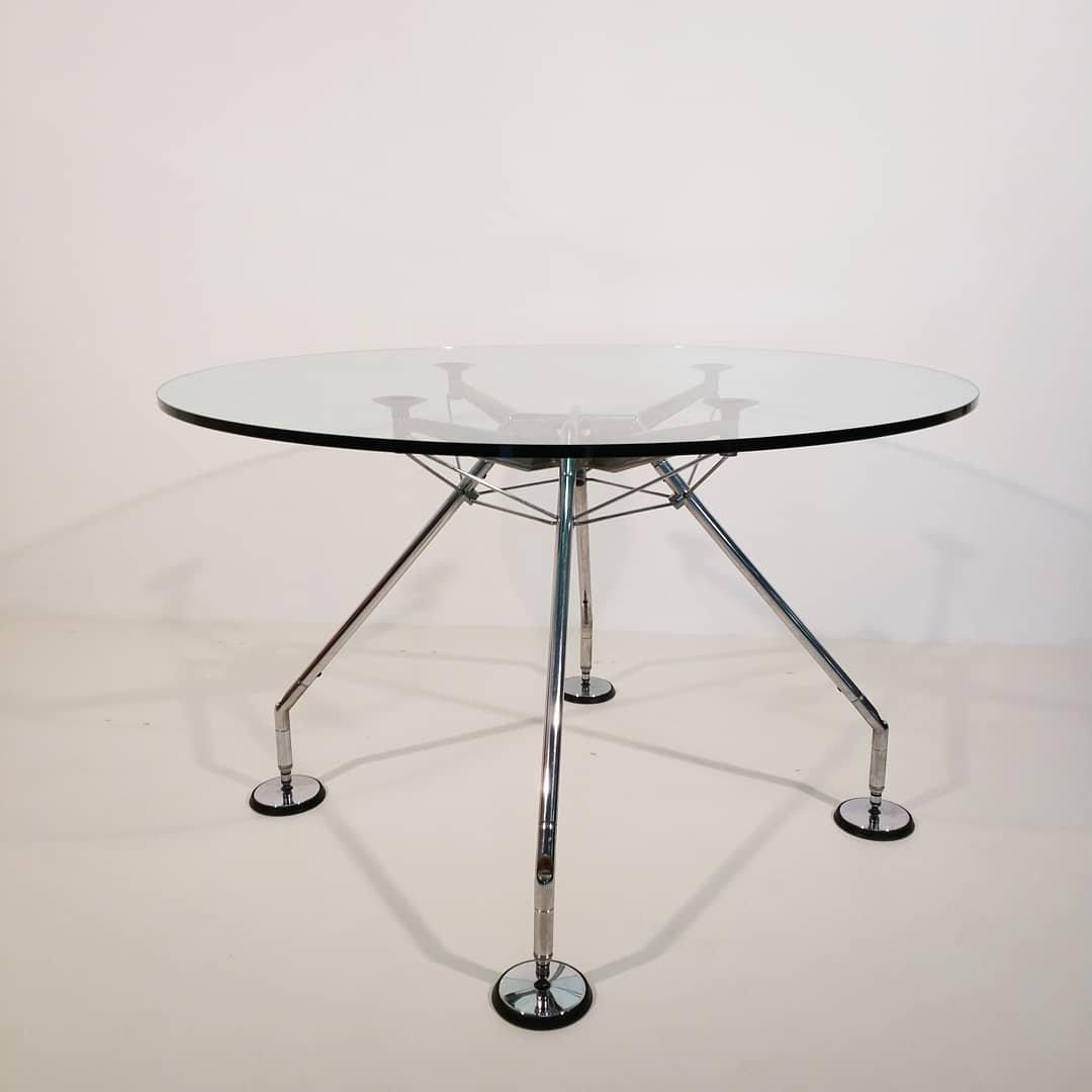 Runder Vintage Tisch von Norman Foster für Tecno