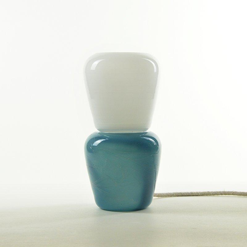 Duo Tischlampe in Türkis aus mundgeblasenem Glas, Moire Collection von...