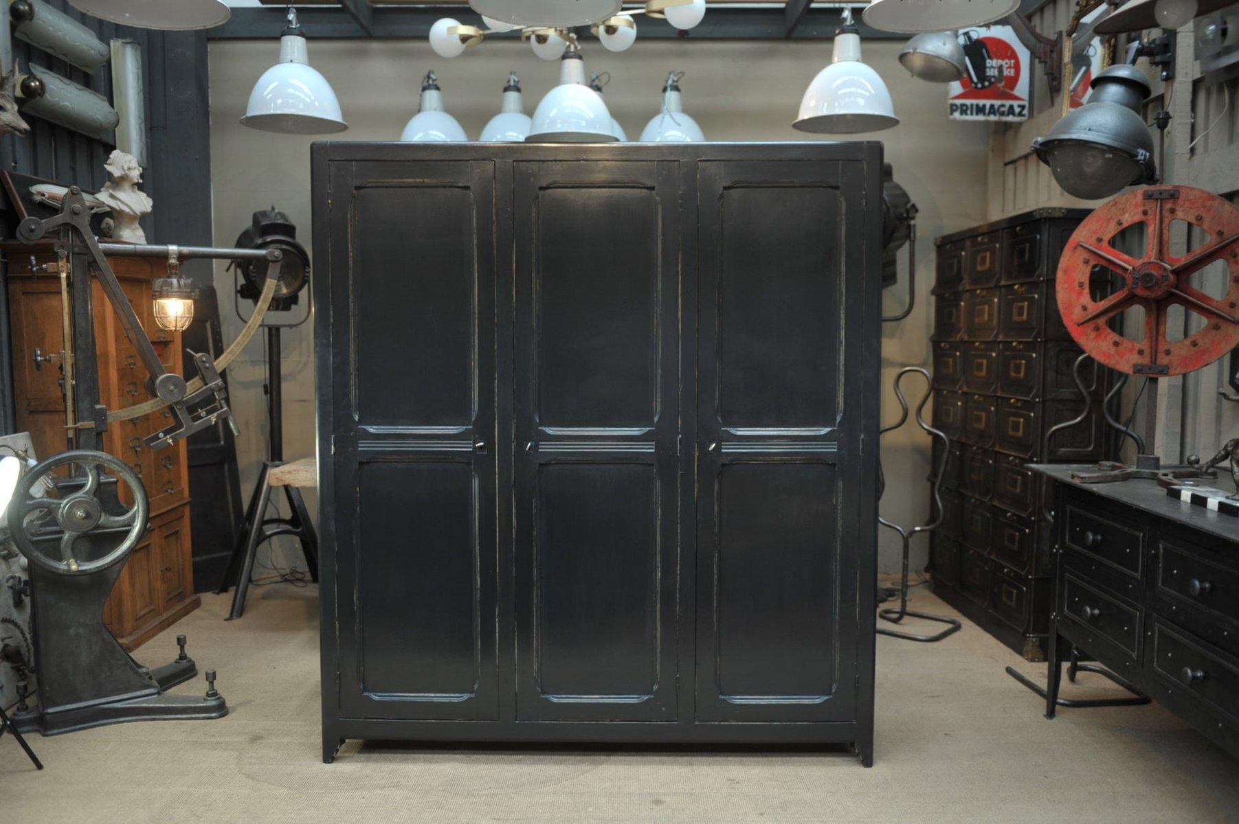 Kleiderschrank aus Pinienholz mit 3 Türen, 1940er