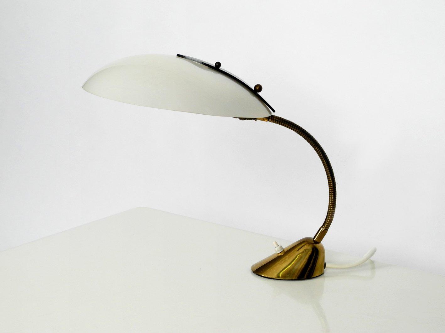 Mid-Century Tischlampe aus Messing mit Plexiglas