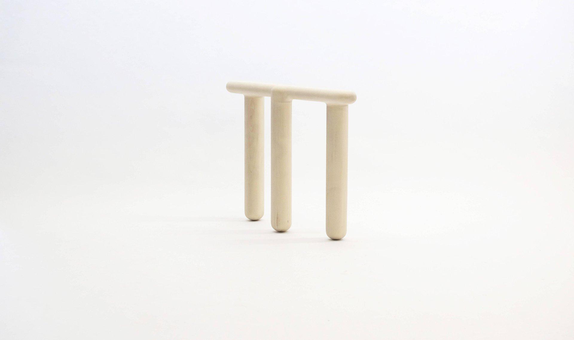 Sgabello bone ix lavorato a mano di loic bard in vendita su pamono