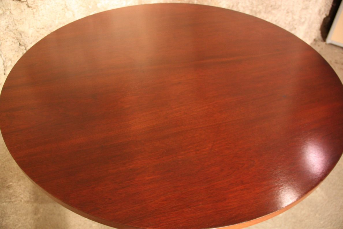 gro er runder vintage tisch aus mahagoni bei pamono kaufen. Black Bedroom Furniture Sets. Home Design Ideas