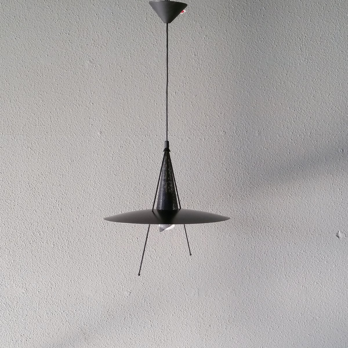 Memphis Hängelampe aus schwarzem Metall, 1980er