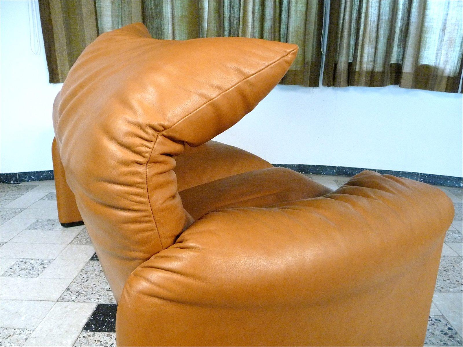 maralunga 2 sitzer ledersofa von vico magistretti f r. Black Bedroom Furniture Sets. Home Design Ideas