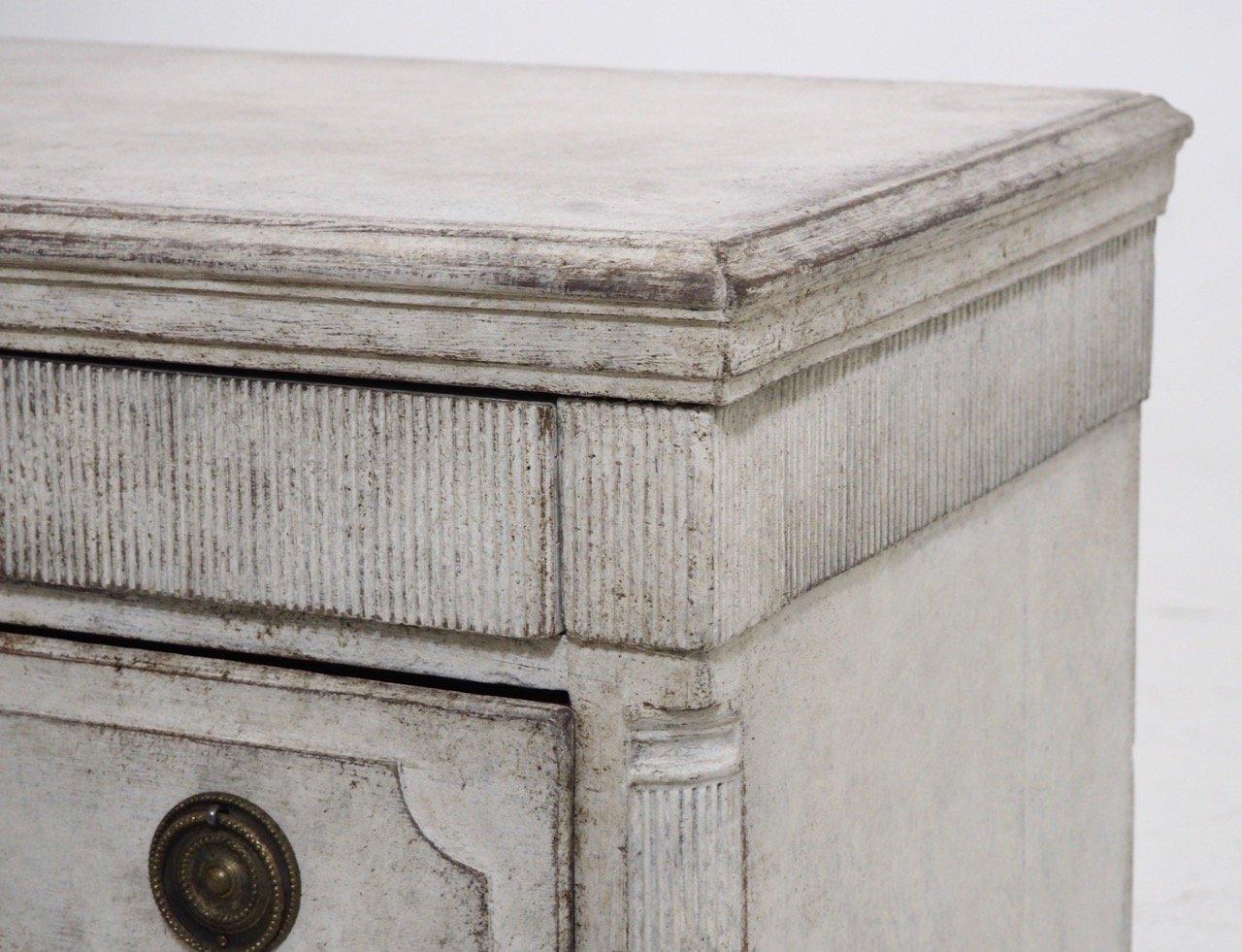 Antike Gustavianische Kommode Mit Originalem Schloss Bei Pamono Kaufen