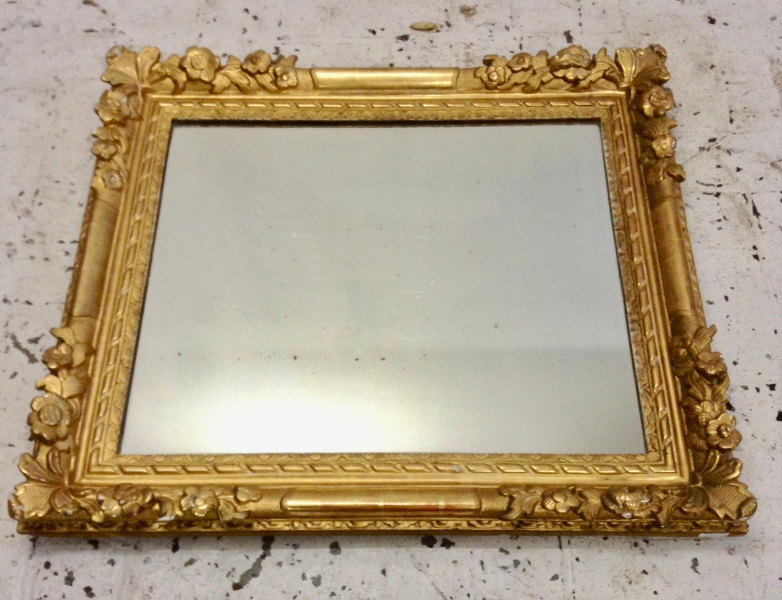 antiker geschnitzter spiegel mit holzrahmen bei pamono kaufen. Black Bedroom Furniture Sets. Home Design Ideas