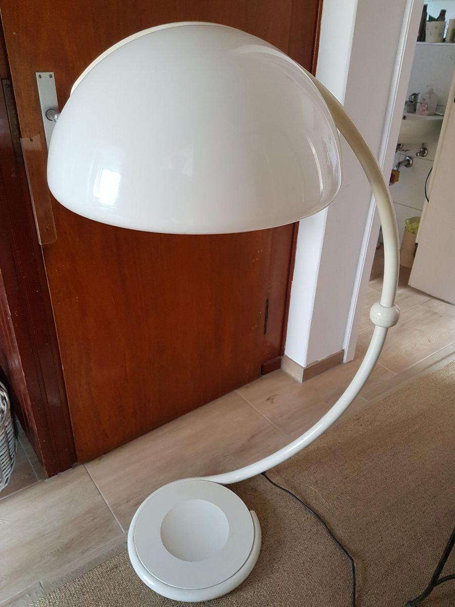 Weiße Serpente 2131 Stehlampe von Elio Martinelli für Martinelli Luce,...