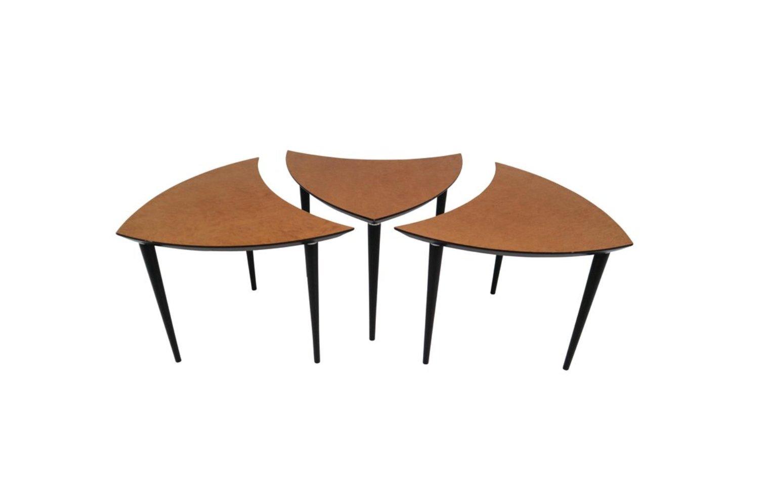 Kleine dreieckige italienische Couchtische, 1960er, 3er Set