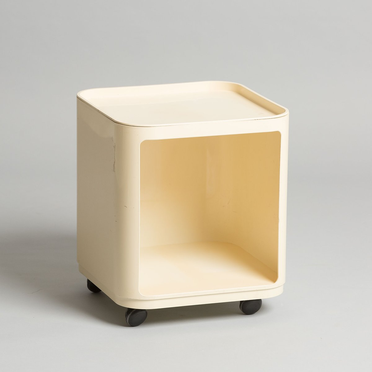Model 4979 Side Table By Anna Castelli For Kartell, 1960s