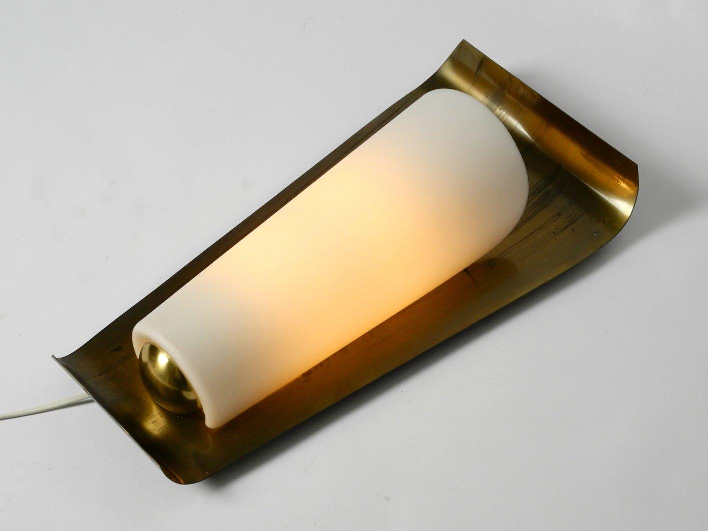 Lampada da parete grande mid century moderna in vetro e ottone di