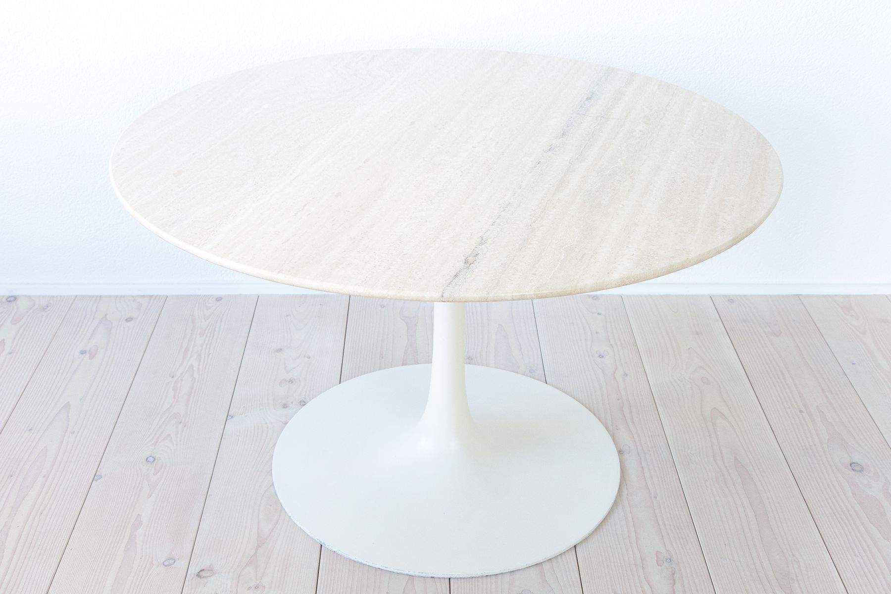 Tulpenförmiger Tisch aus Travertin von Maurice Burke für Arkana, 1960e...