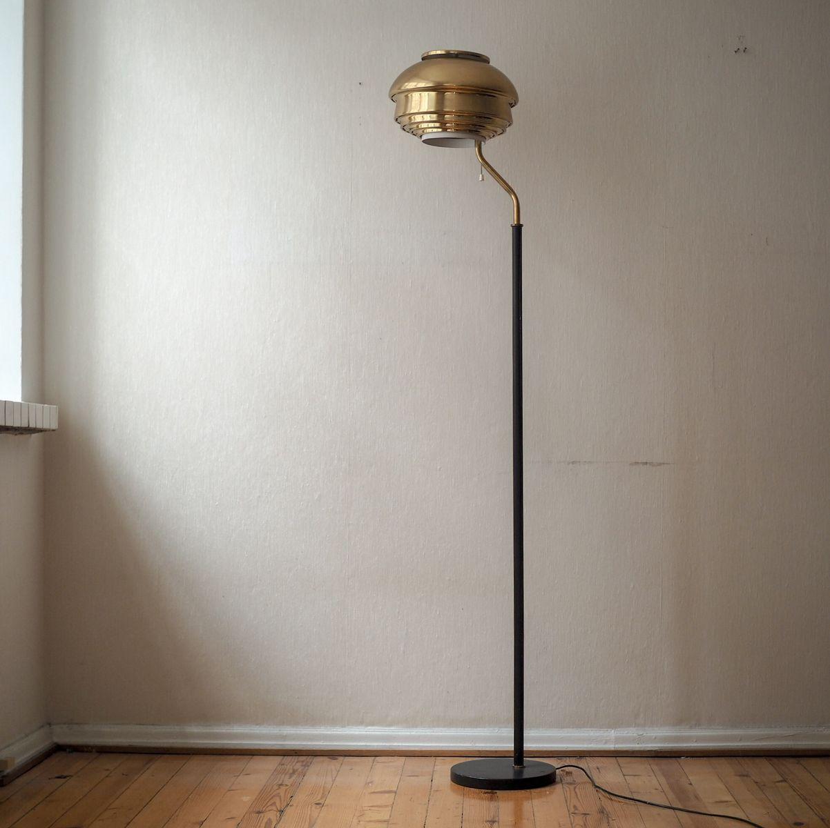 Modell A808 Stehlampe von Alvar Aalto für Valaisinpaja, 1970er