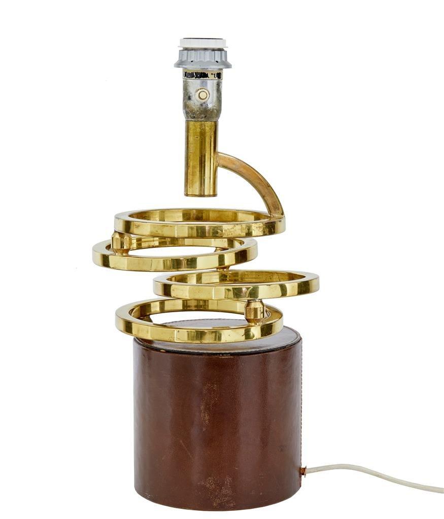 Schwingende Tischlampe aus Messing & Leder, 1960er