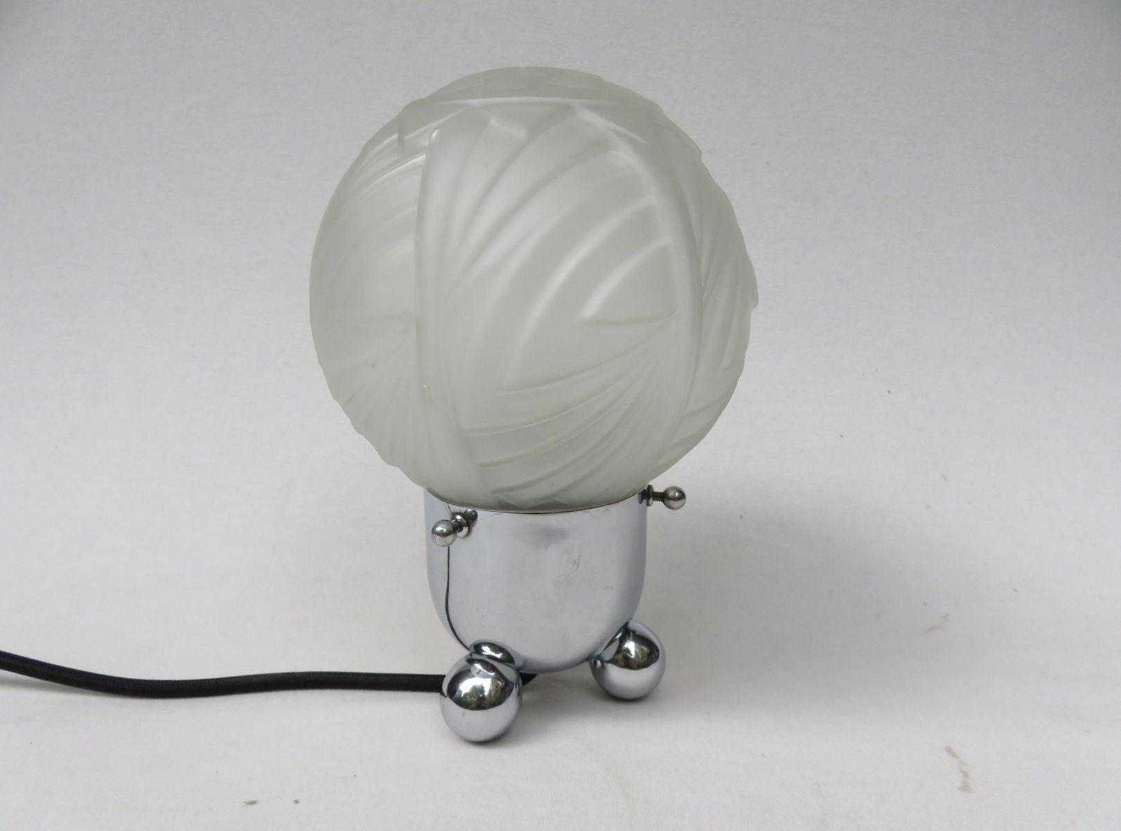Kleine Art Deco Tischlampe aus Chrom & Milchglas