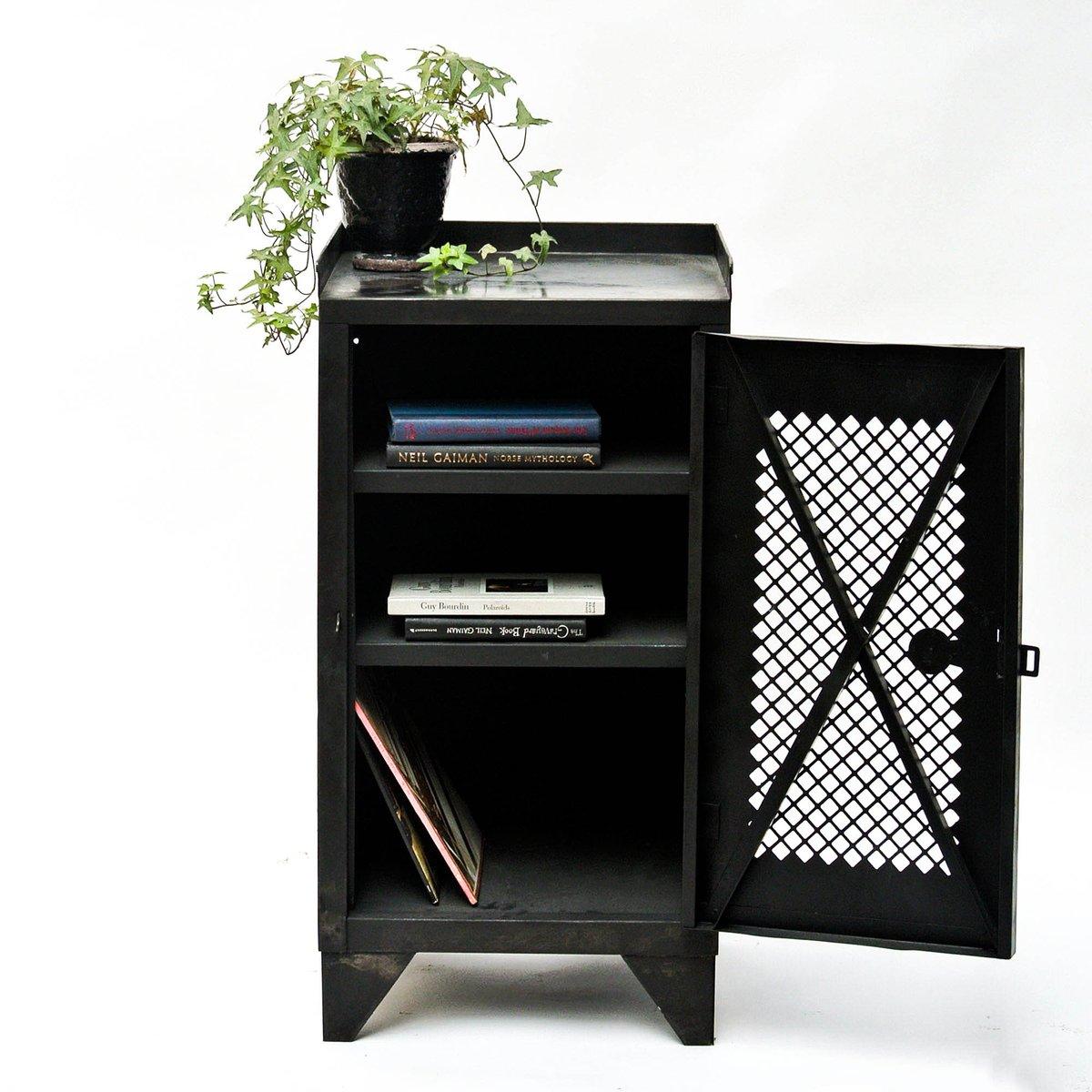 petit meuble d 39 appoint industriel vintage en vente sur pamono. Black Bedroom Furniture Sets. Home Design Ideas