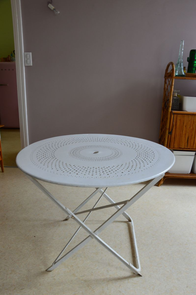 Table Pliante Vintage En Fer De Fermob En Vente Sur Pamono