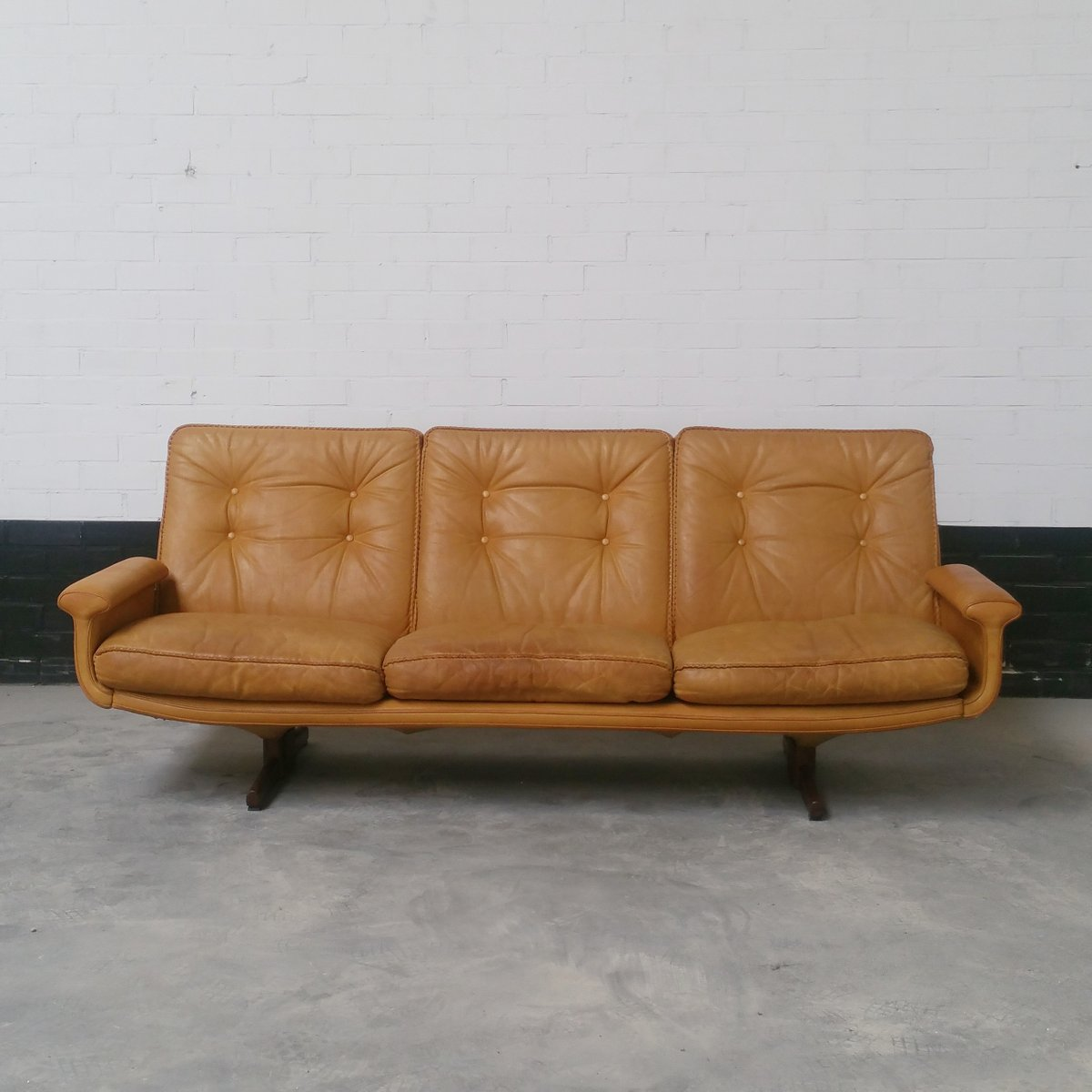 No. 126 Leather 3-Seater Sofa by Sigurd Ressell...