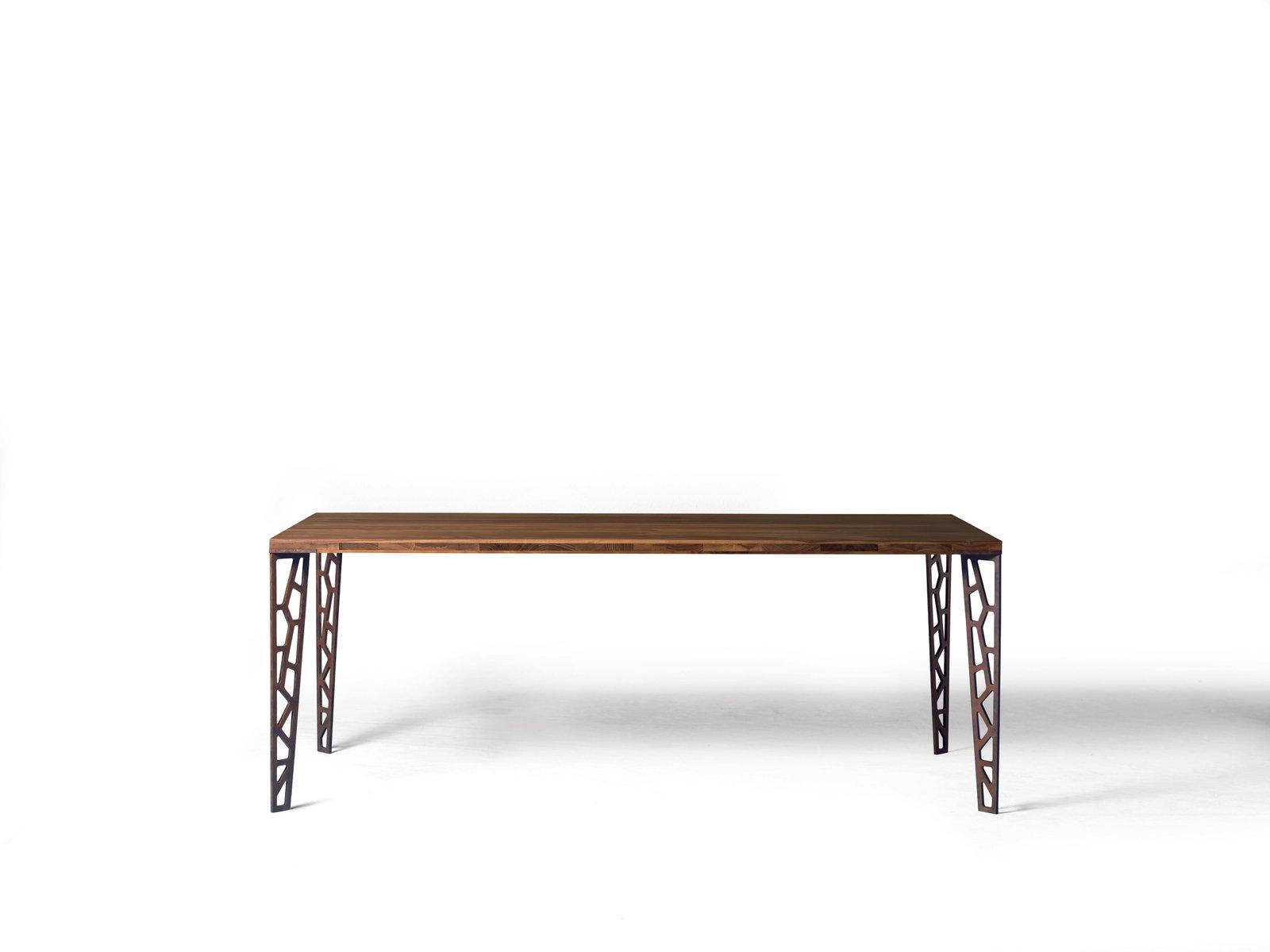 Tavolo Piccolo Con Ripiano In Legno Naturale Oliato E Gambe In Metallo Perforato Di Dale Italia In Vendita Su Pamono