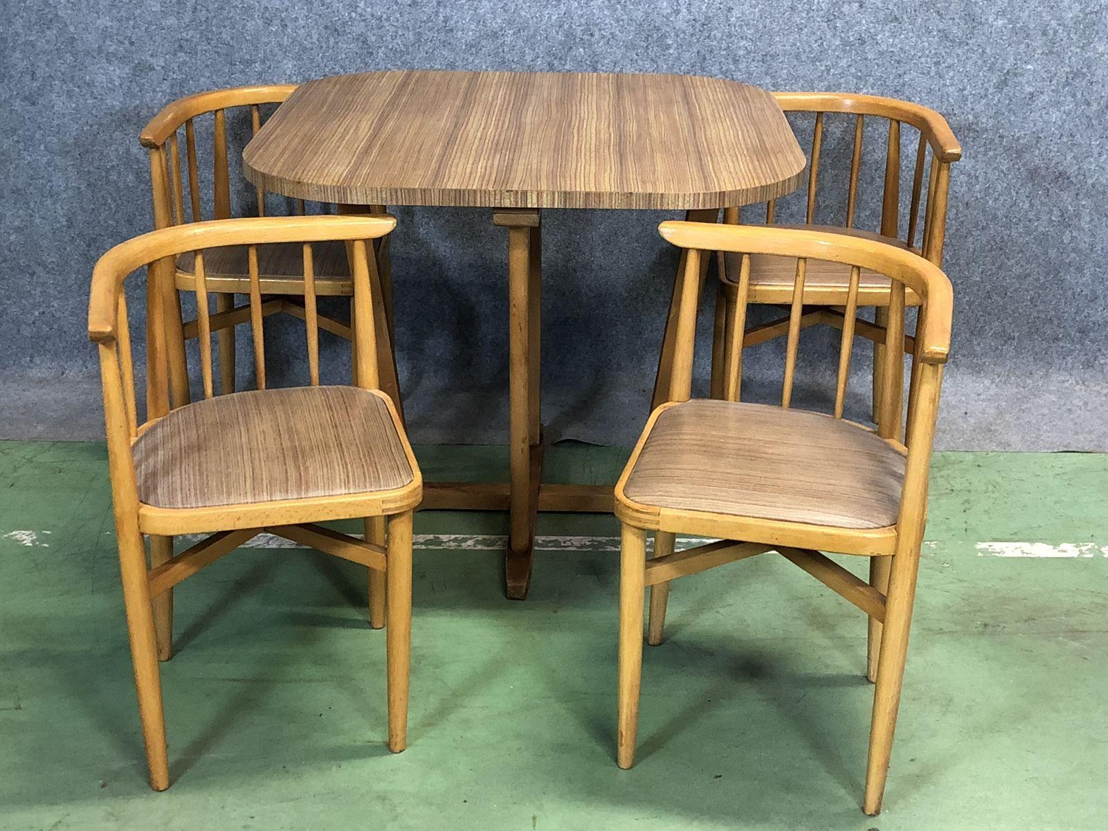 tisch und 4 st hle aus buche 1970er bei pamono kaufen. Black Bedroom Furniture Sets. Home Design Ideas