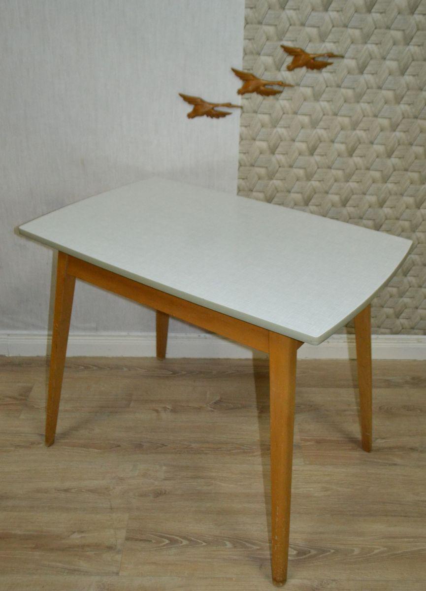Mesa de cocina pequeña de madera, años 50 en venta en Pamono