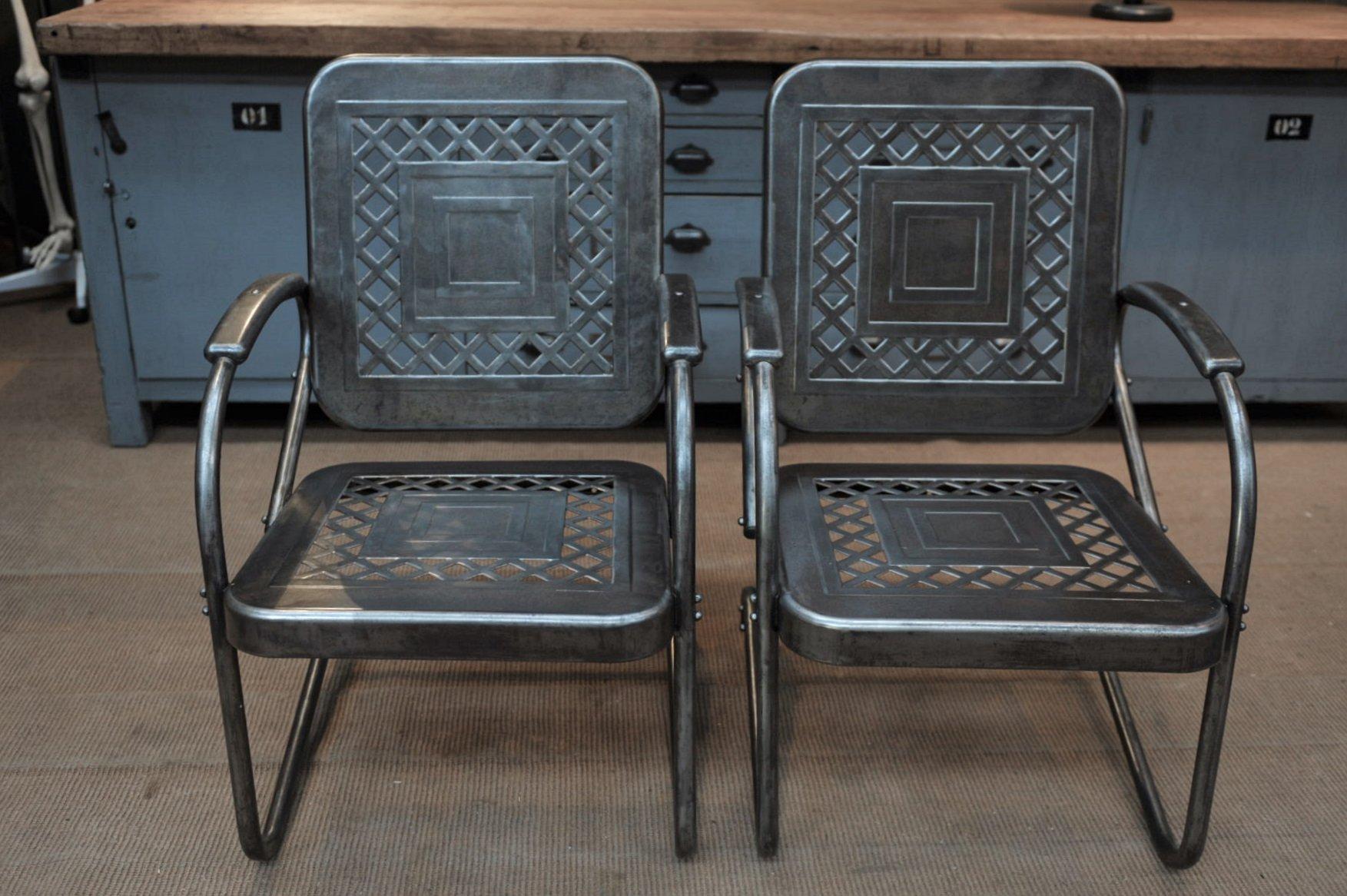 Amerikanische Armlehnstühle aus Lochblech, 1950er, 2er Set