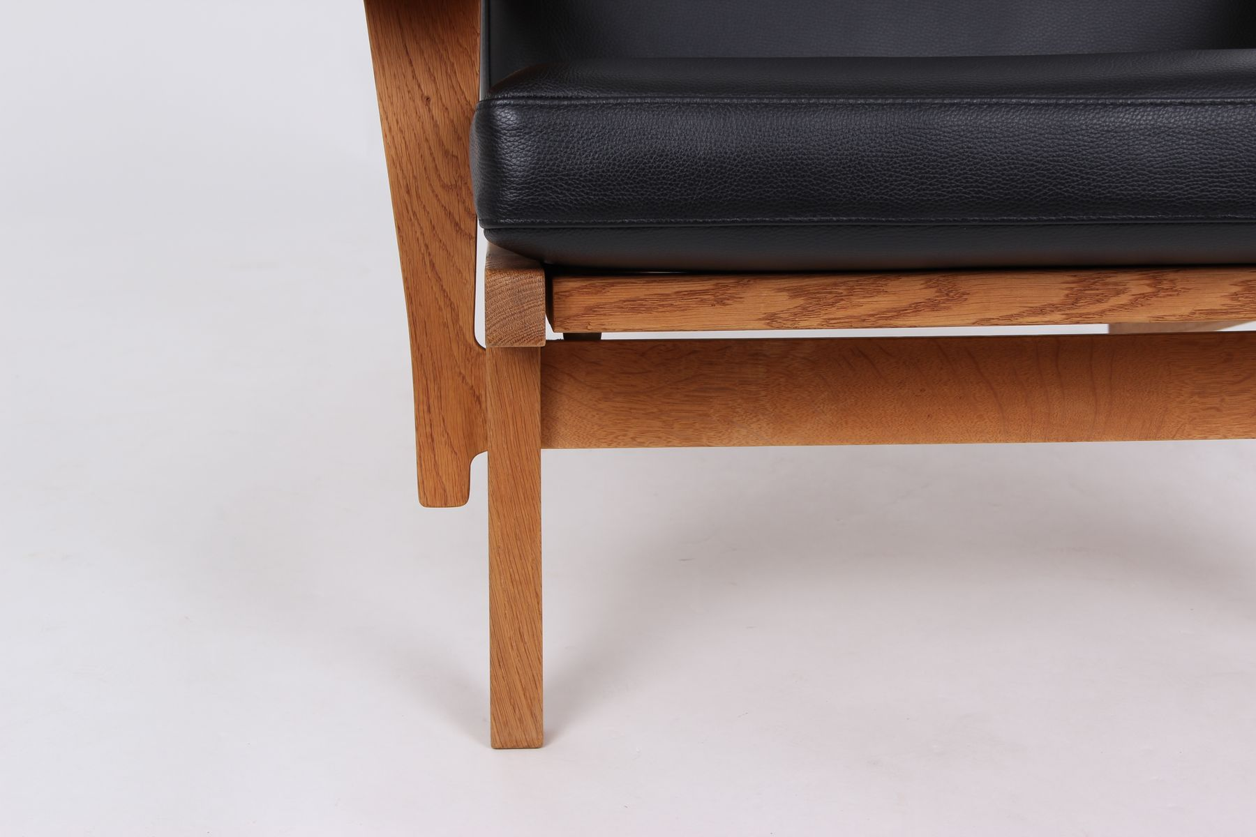 modell ge375 ge375s sessel und hocker aus eiche leder von hans j wegner f r getama 1960er. Black Bedroom Furniture Sets. Home Design Ideas
