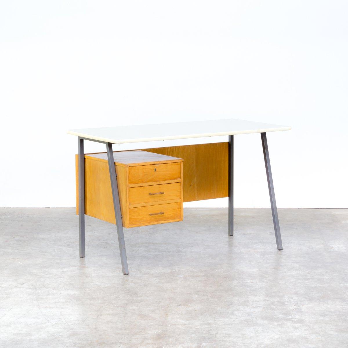 schreibtisch aus metall und holz mit resopalplatte 1970er bei pamono kaufen. Black Bedroom Furniture Sets. Home Design Ideas